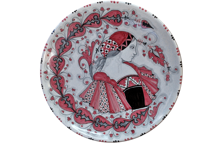 Rose Plate with Dama